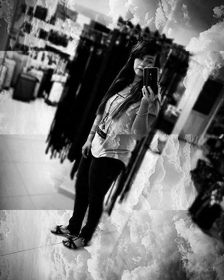 Selfie Shop Boredom Clickfor5kfollows Clickfor500gains Hitfor100follows Hitfor100fans Igers Smile Blackandwhite Work Photography Me Motorola Phonecamera Likeforlike Followme Takingphotos Inside Throwback