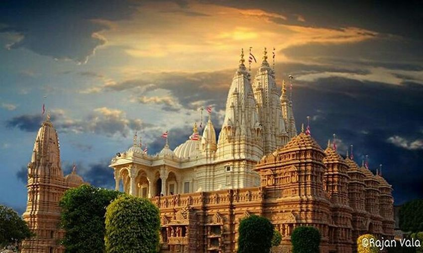 MyMandirMyHome Baps Swaminarayan Temples Ancient Architecture Indian Culture  Artistic Mandir Spiritual Ancient India Hinduism First Eyeem Photo Amateur Photography Pastel Power