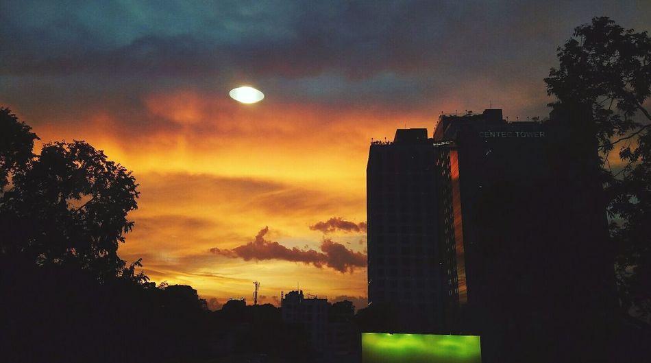 Saigon, Vietnam Saigonese Sunset Sky Dramatic Sky City DiamondPlaza Cloud - Sky Byme ByAzure98