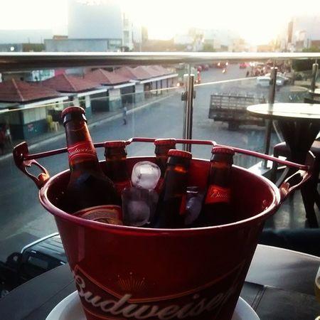 Pra terminar a tarde e começar a noite. Budweiser Greattimesarecoming