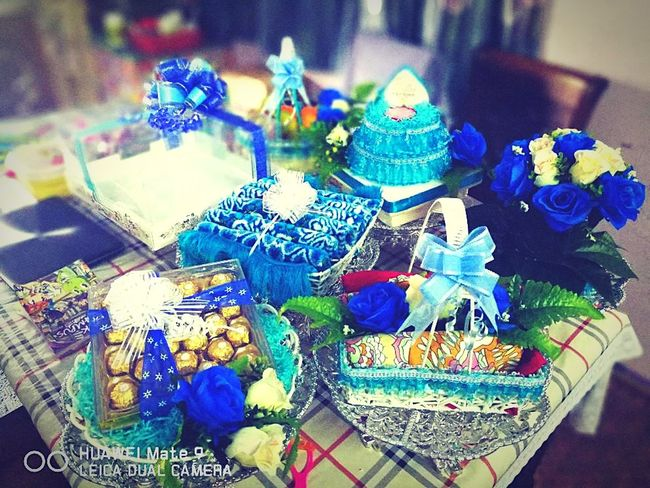 Hantaran Gift Business Finance And Industry Arts Culture And Entertainment Close-up No People Flowers Enggagement DIY Brother❤ Onestepcloser Blue And White Cakes Mine Me Family❤
