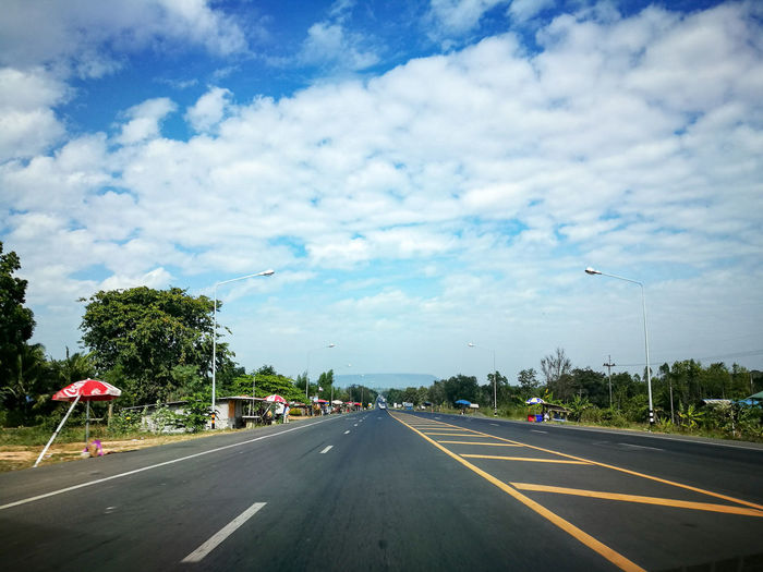 Tree Sky Road Road Sign Cloud - Sky No People Urban Road Outdoors Day HuaweiP9