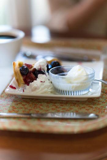 なんてこった。このカメラ、明るい写真も撮れるのね。 Baked Close-up Dessert Focus On Foreground Food Freshness Indulgence No People Ready-to-eat Selective Focus Served Serving Size Still Life Sweet Food Temptation