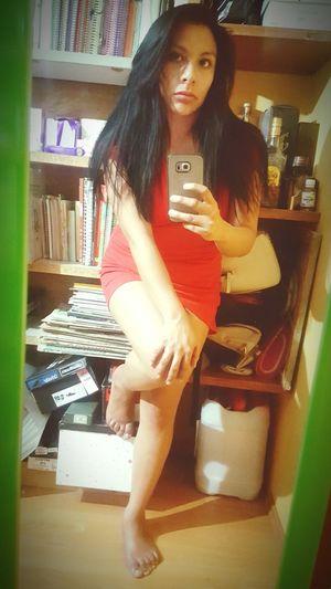 El rojo me queda.. Sexygirl SelfieQueen💋 Selfie ✌ Beauty Linda Me Pretty Girl Sexywomen Sexyselfie One Woman Only Morena ❤ Morenalinda Morena Sexylips