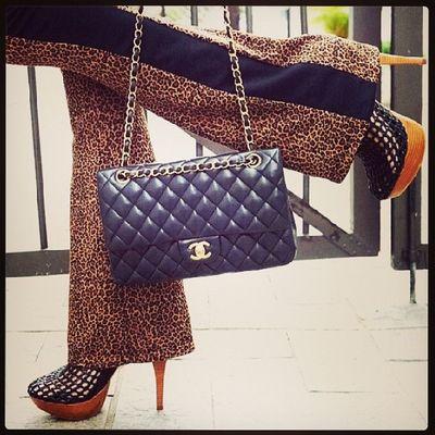 LOOK! INSPIREM - SE! ! Lidianeassuncao Luxury Pocketwatch Picoftheday personalstylist glam slimfit styleblog shoes pictureoftheday pretty photooftheday swag styleblog instamakeup instadrake instalovers shoesoftheday blogger consultoradeimagem woman