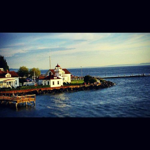 Sharing views with someone is one of my favorite things to do. Just like this one 😊 Lighthouse Openwater Prettysky Ferryride Justcuz Mukilteo PNW Pugetsound Greatday WithAGreatSomeone