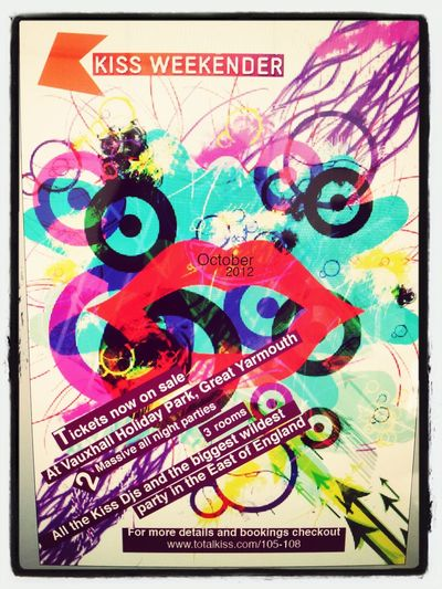 Graphic Design Kiss Weekender Poster Shapes And Textures Art, Drawing, Creativity