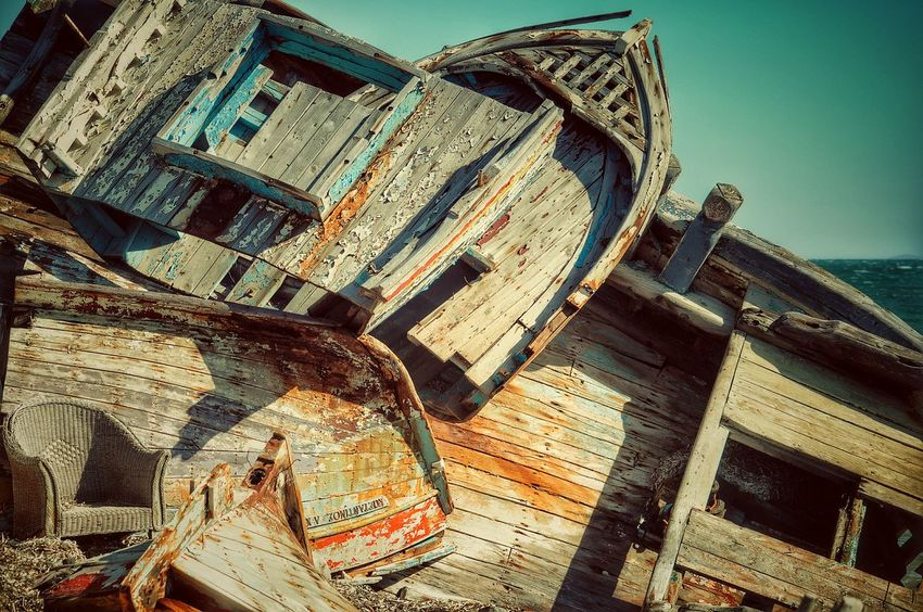 Tetris Fine Art Photography Abandoned Places Forgotten Things Rusty Old Boats Old Boats Ruins Wood - Material Wooden Texture Old But Awesome Fishing Boats Stuck Malephotographerofthemonth Ruins How Do You See Climate Change? How Do We Build The World?