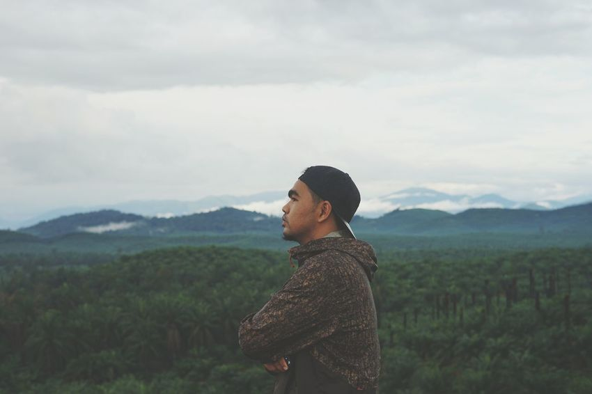 EyeEm Selects Adults Only Adult One Person Nature Mountain Young Adult Landscape People Tranquility Standing Cloud - Sky Outdoors Rural Scene Beauty In Nature Vacations