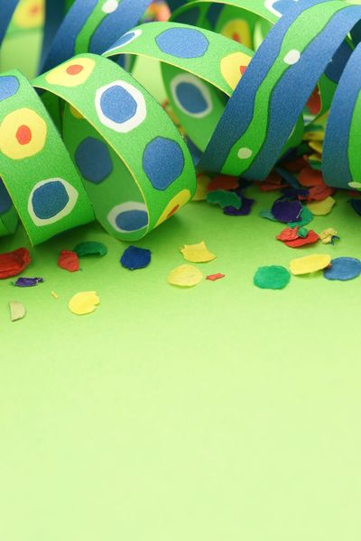 Party background with confetti Luftschlangen Nobody Carnival Confetti Green Background Party Background Party Invite Party Multi Colored Indoors  Art And Craft Green Color Still Life No People Creativity Close-up Copy Space Yellow Paper High Angle View Blue