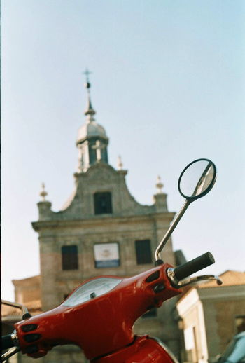 Buenos dias, Madrid. Hello World Buenosdias Madrid Madrid Spain Spain ✈️🇪🇸 Spain Is Different Bike Moped Church Architecture Streetphotography Street Photography Zenit 122k Zenit - Camera Film Photography Filmisnotdead Istillshootfilm Finding New Frontiers Miles Away