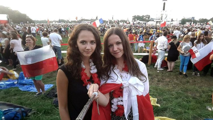 ŚDM 2016 ❤❤ the most touching event in my life ... 😍 Sdm Youth Day Church Praying Polishgirls Friends Happy Poland Wyd