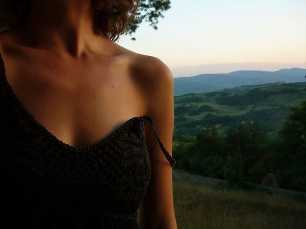 Beauty Close-up Collarbones Exotic Focus On Foreground Grass Idyllic Landscape Lifestyles Little Black Dress Mountain Range Natural Beauty Natural Light Nature Non-urban Scene Outdoors Part Of Scenics Sensual_woman Sensualgirl Sensuality Sky Tranquil Scene Tranquility Tree