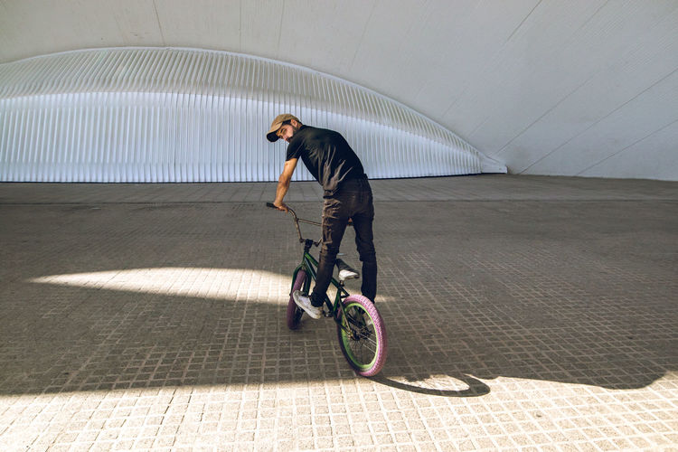 Guy with a bmx doing tricks for the city. Concept of young people doing extreme sports Guy Bmx  Bmx Cycling Bmxlife Bmx Bikes Tricks City YoungPeople Extrme Sports Extreme Sports Trick  Bike Biker Boy Recreation  Bicycle Outdoor Strreet Streestyele Sport Urban urban sports Rider Adrenaline Freestyle Lifestyle