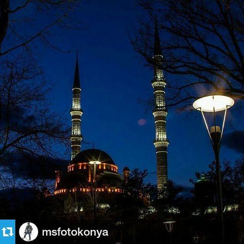 Foto : @msfotokonya ・・・ Cumaniz mubarek olsun, gecenin son fotoğrafı iyi geceler Konya. Comseekonya Msfoto Mustafasen foto fotograf konya cami canon