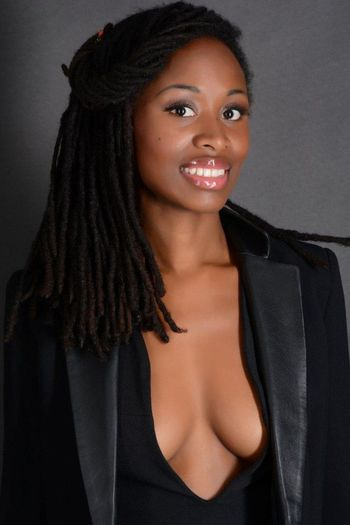 Photoshooting Mumu Green Glamteam Sexy Girl Angola