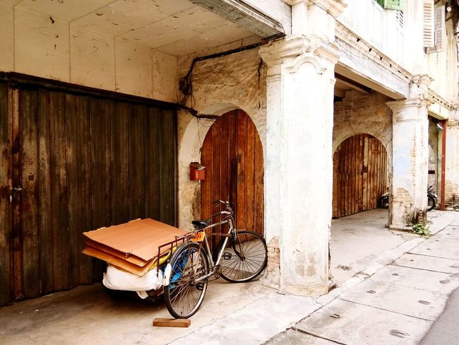 No People Wood - Material Outdoors Day Architecture Ipohtown Oldtown Retro Vintage Old Bicycle Rusty