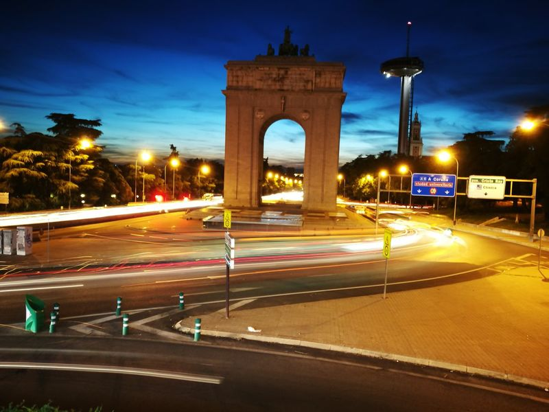 Light Trail Night Long Exposure Architecture Victory Arch City Speed
