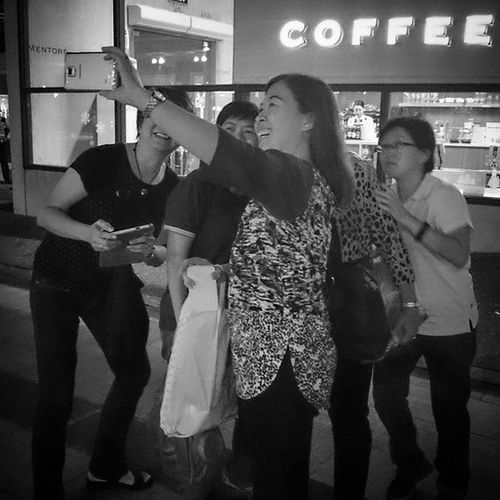 12/22/2015 SELFIE.... Friends Bonding MerryChristmas ChristmasgettOgether Fun Laughter Selfie Bnw Bw Blackandwhite Blackandwhitephoto Blackandwhitephotography THESE Are My Friends 12daysofeyeem