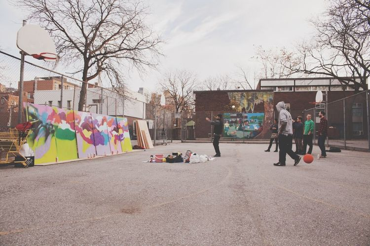 Everyday Education Hanging Out Friends Graffiti Enjoying Life Check This Out Toronto Court The Photojournalist - 2015 EyeEm Awards