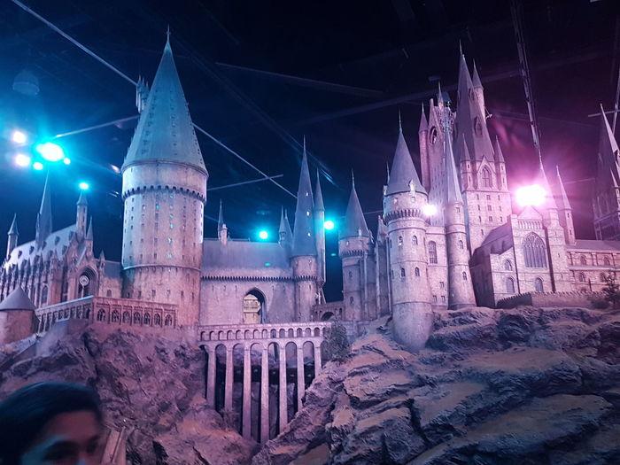 Hogwarts Night Illuminated 9 3/4 Hello World London Picturing Individuality