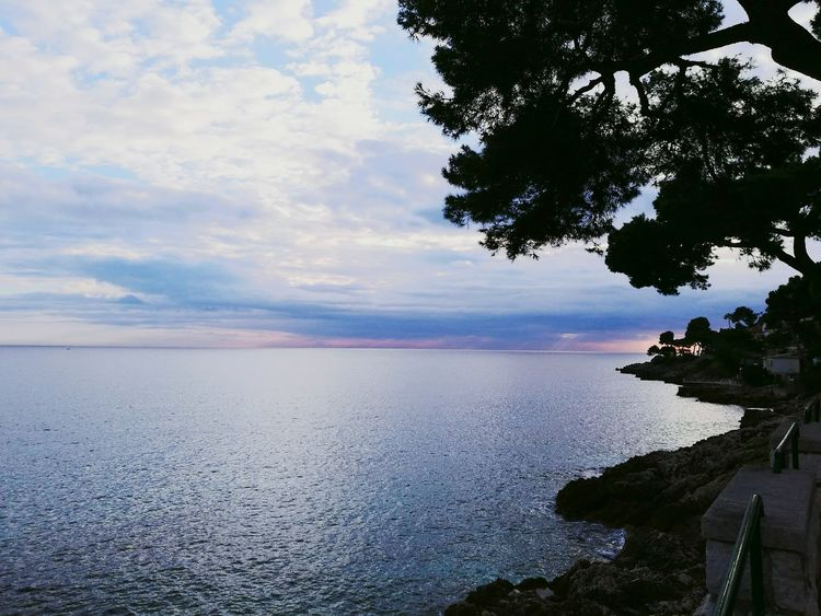 Nature Morning Sky Cloud - Sky Beauty In Nature Tranquil Scene Sea And Sky Outdoors No People Horizon Over Water Day