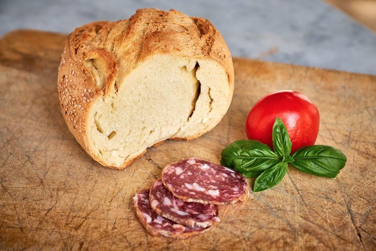 Bread Close-up Cutting Board Day Food Food And Drink Freshness Healthy Eating Indoors  Meat No People Red SLICE Table Tomato
