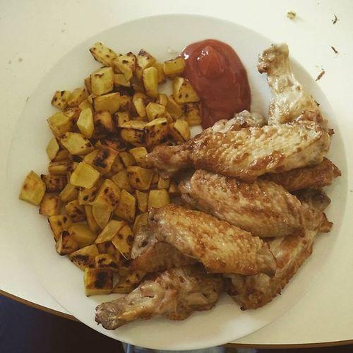 La petite pause qui fait du bien ! Biofood Grossebouffe Patates Poulet staps homemade posé