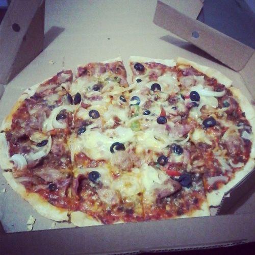 Pizza Dinner Greenoz Foodtrip
