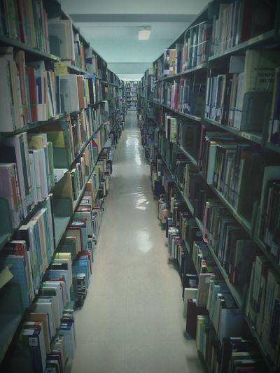 Spooky Library Midterms น่ากลัว มิดเทอม