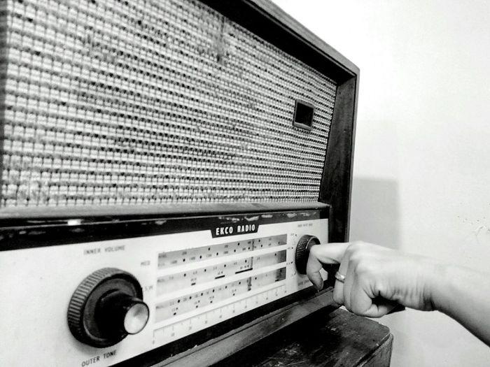 Old Radio Radio Close Up Close Up Photography Antique Radio Antique Black And White Black And White Photography Black And White Radio Black And White Old Radio