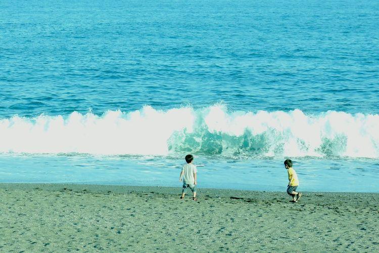Japan Hello World Children Heroes Sea Wave Enjoying Life Beachphotography Beach