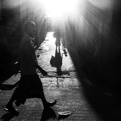 Street life ! Js Photographer Street Streetphotography People Dailylife Light Shadow Ray Bnw B &wBlackandwhite IPhone Insta Photojournalism Documentary Opensociety Featureshoot Burndiary Reportagespotlight Chittagong Bangladesh Chottogram Instagram Everydayeverywhere everydaybangladesh