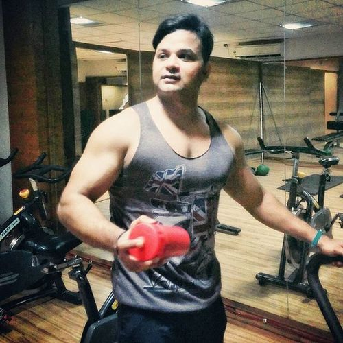 """""""Everyday is a chance to get better"""" Afterworkout Proteintime Saturday Sundayrestday Actuallyshoppingday Sunday Rajeevkumar August28inc A28inc"""