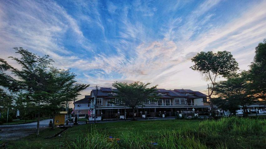 Building Exterior Architecture Grass Nature Sony Xperia Z5 At Alor Setar Malaysia