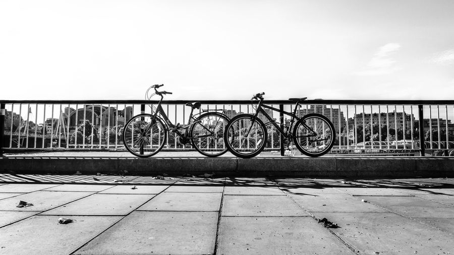 Black & White City Cityscape EyeEm EyeEm Best Edits EyeEm Best Shots EyeEmBestPics LONDON❤ London Architecture Bicycle Black And White Photography Blackandwhite City Day No People Outdoors Sky Stationary