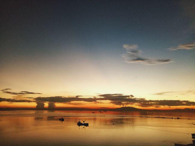 Manila Sunset 🌇 Sunset Reflection Scenics Sun Beauty In Nature Tranquility Beach Sky Nature Outdoors