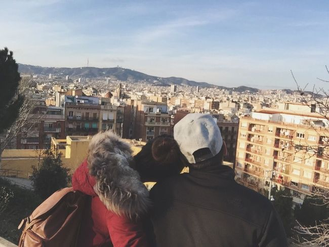 Moment in silence as we embrace this moment.. Beautiful City Barcelona SPAIN Love Traveling Europe Happy Honeymooners Newlyweds Couple Photography Photo EyeEm Nature Lover