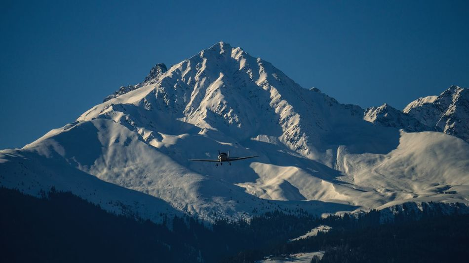 Landing Plane #2 Sony A6000 Sonyalpha Sony Innsbruck Moving Outdoor Airplane Plane Transport Transportation Airport Vehicle Austria Mountains Snow Mountain No People Cold Temperature Winter Scenics Nature Day Sky Snowcapped Mountain Outdoors Landscape