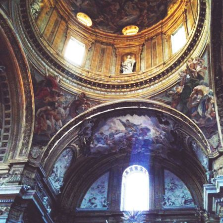 Unbelievable frescoes in Chiesa del Gesù, Roma. My Best Photo 2015 Landmark Landmarks Beautiful Colors Ceiling Rome Architecture Historic Columns And Pillars Built Structure No People Church Fresco Decorations
