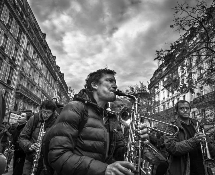CDG Paris The Week On EyeEm Workers Blackandwhite Cdg Demonstration Demonstrations  Labor Law Lifestyles Macron Monochrome Paris Day To Day Reportage Social Gathering Social Issues Streetphoto_bw Streetphotography Streetmusician Saxophone Saxophonist