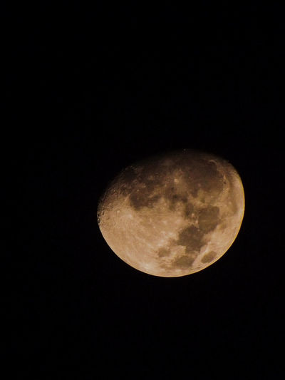 Moon 🌔💛 Moon Night Planetary Moon Nature Crescent Sky Close-up Moon Surface Tranquility Beauty In Nature Lune Love♡