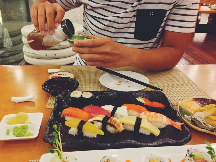 """Hôm nay nơi đây có """"anh tiếp dziên bất đắc dĩ"""" này gót gụ ? """"đẹp-chai-chà-bá"""" ???????????? Sushi Saigon Tonight Dinner"""
