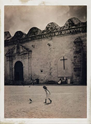 Taking Photos Urban Landscape Traveling Cuba Havana EyeEm Best Edits Tadaa Community Streetphotography Eyem Best Shots Monochrome Streetphoto_bw B&w Street Photography EyeEm Best Shots - Black + White Sepia