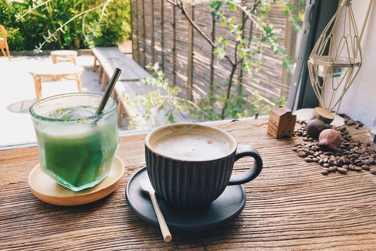 Wood - Material Wood Grain Matcha Chilling Chill Relaxing Relax Drink Refreshment Food And Drink Coffee Cup Coffee - Drink Mug Food Freshness Table No People Still Life Tea Hot Drink Day Glass Coffee Cup