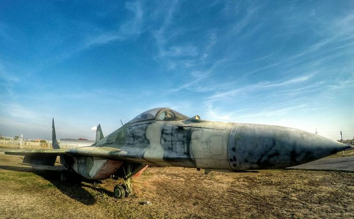 Aircraft Military Fighter Jet Fighter Urbanexploration Urbanphotography Streetphotography Urban Geometry Supersonic Gopro