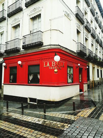 Restaurant Restaurante Madrid Cocido Madrileño Cocido Day Red Restaurant La Bola típico castizo Architecture Travel Destinations Outdoors No People Red Built Structure