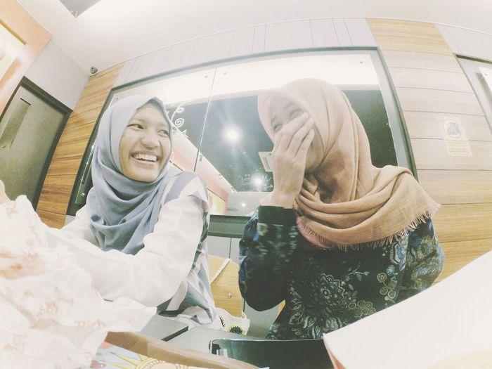 Happiness BFF ♥ Friend ✌ Sitting Friendship. ♡