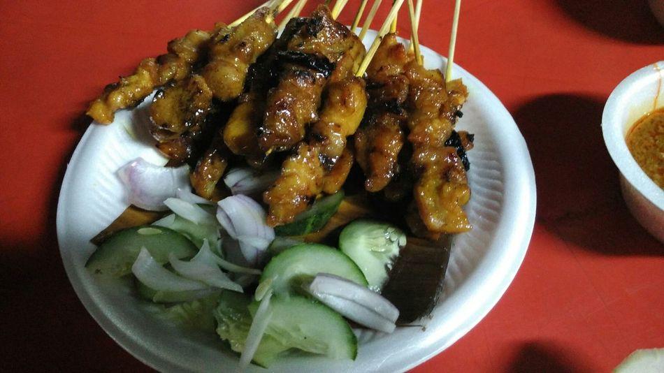 Satays Satay Sataychicken SataySatay Malaysian Food Malaysia Malaysianfood Food Fooodlover Foodporn Food Porn Food On The Go Snack Time! Late Night Snack Snacks! Malay Satay Chicken Satay