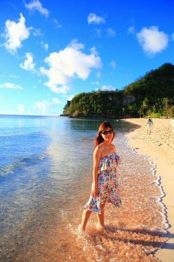 沙灘美女 Enjoying